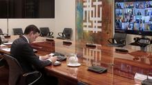 Pedro Sánchez, durante la videoconferencia con los presidentes autonómicos este domingo.