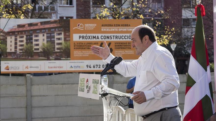 Ortuzar:Euskadi y Cataluña siguen caminos distintos pero el objetivo es común