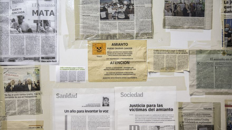 Recortes de prensa sobte afectados de amianto, en la asociación