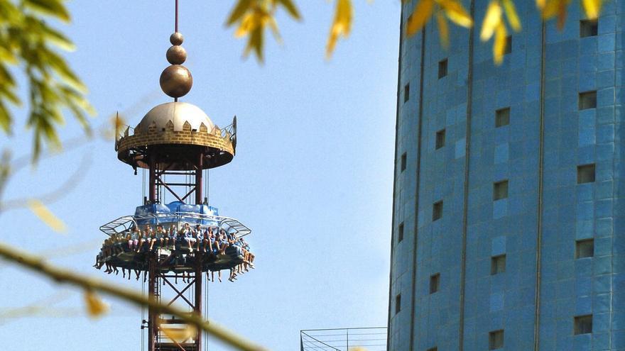 CaixaBank vende el parque Isla Mágica a un grupo francés para evitar el cierre
