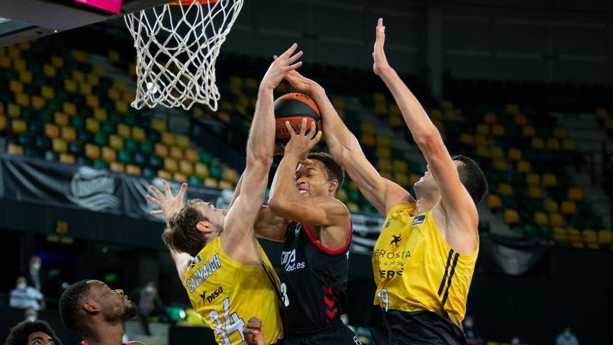 El Iberostar Tenerife gana en Miribilla