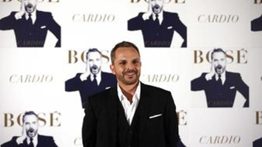 El Cantante Miguel Bosé