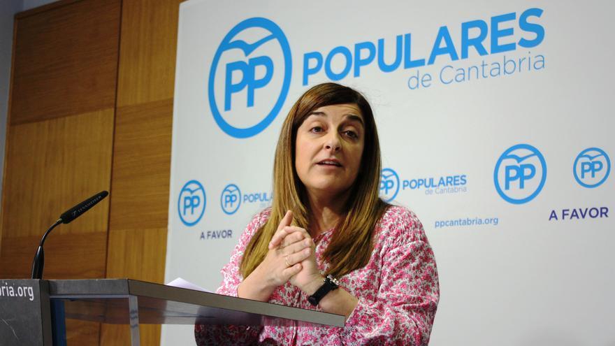 María José Sáenz de Buruaga (PP) durante una rueda de prensa.
