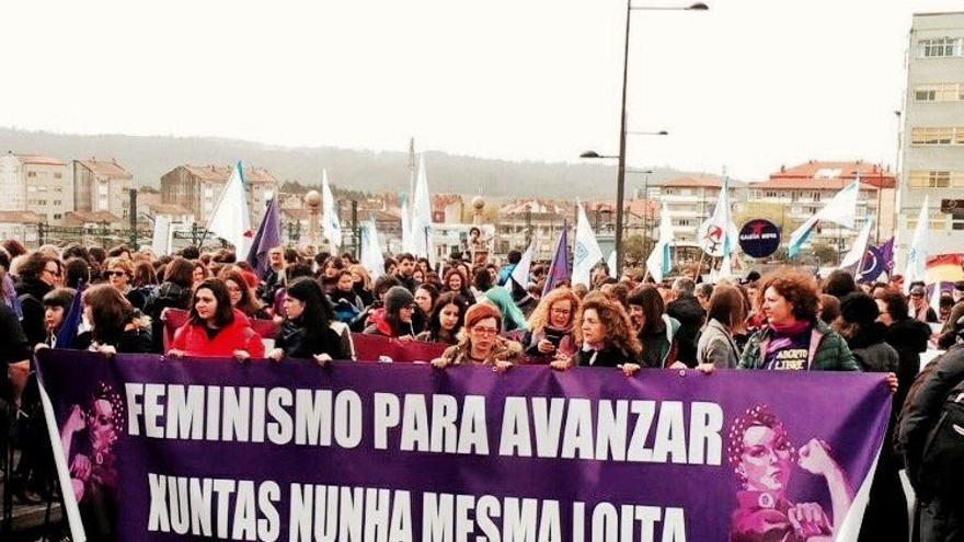 Cabecera de la manifestación feminista, este 5 de marzo en Santiago