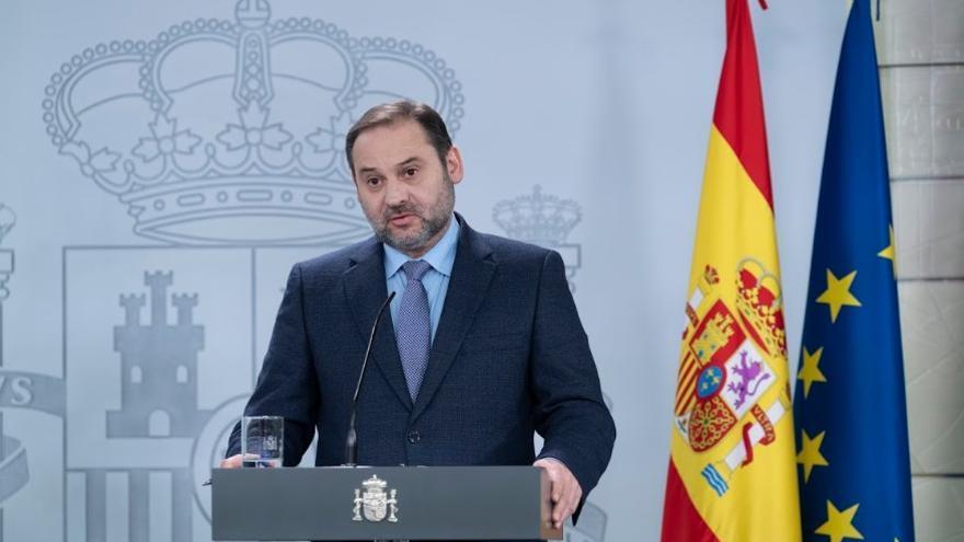 José Luis Ábalos, ministro de Transportes, Movilidad y Agenda Urbana, durante una comparecencia