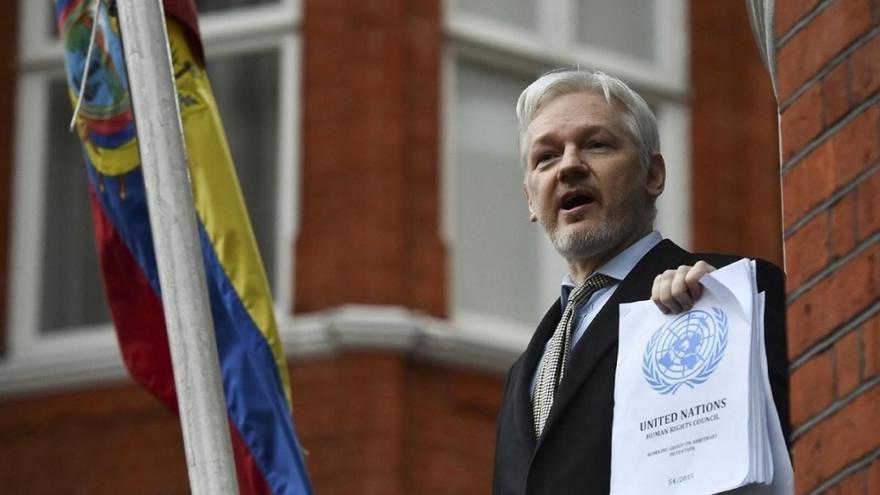 El Gobierno expresa a Ecuador su preocupación por la actividad secesionista de Assange desde su embajada en Londres