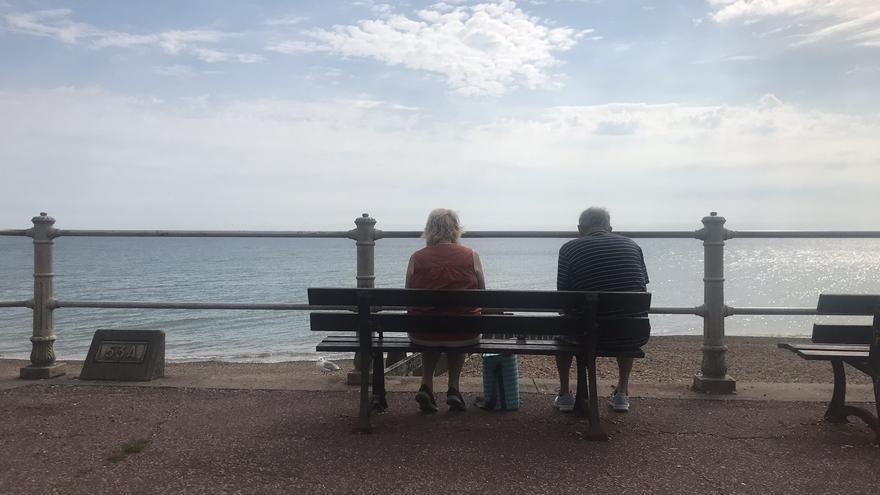 Ni a Tenerife ni a Cornwell: los turistas ingleses se quedan en casa el verano de la pandemia