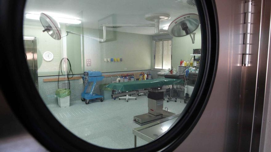 Un quirófano del hospital 12 de Octubre de Madrid.