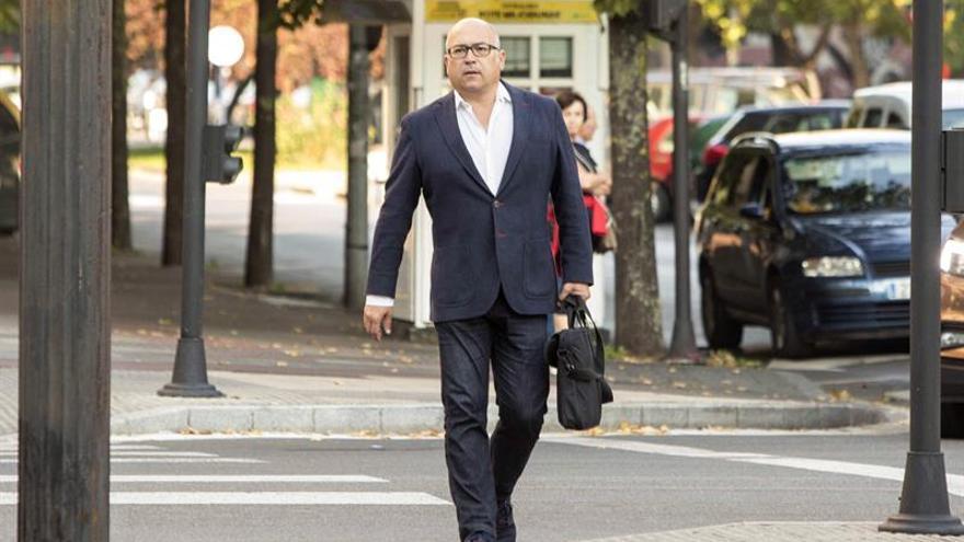 La Fiscalía pide casi 30 años para el ex numero 2 del PNV alavés Alfredo De Miguel