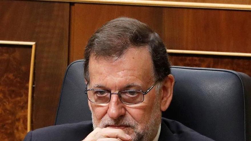 Rajoy y los partidos denuncian en Twitter la esclavitud de la trata