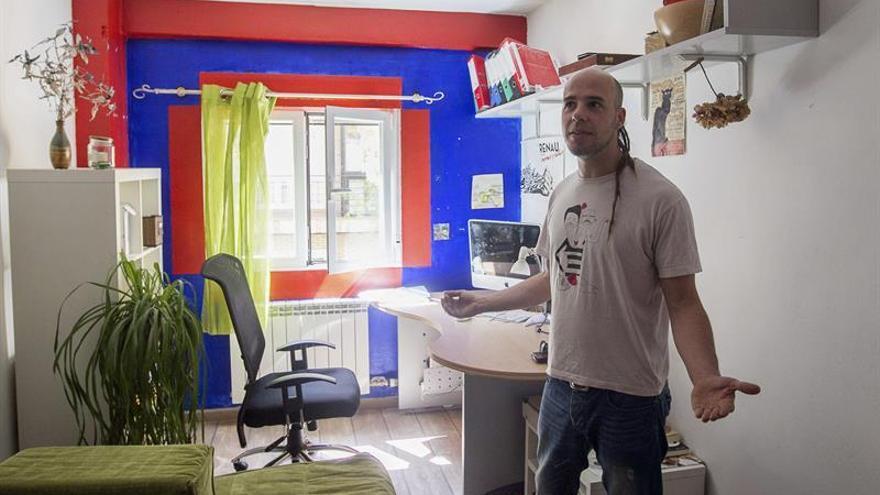 Sigue creciendo el número de españoles que viven solos: ya son 4,6 millones
