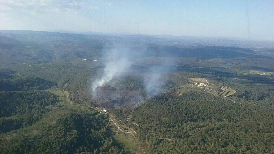 El incendio de Enguera empezó la tarde de este martes