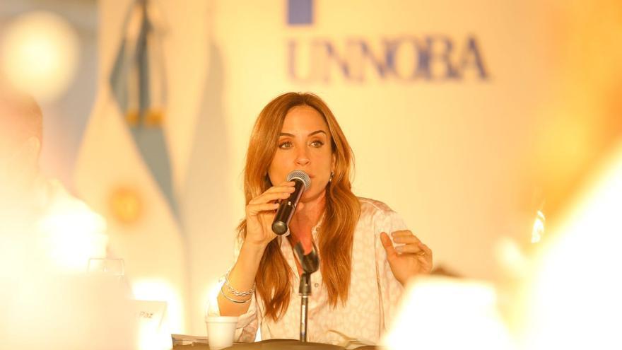 Victoria Tolosa Paz, durante una presentación en la Universidad del Noroeste de la Provincia de Buenos Aires, en Junín, el 30 de agosto de 2021