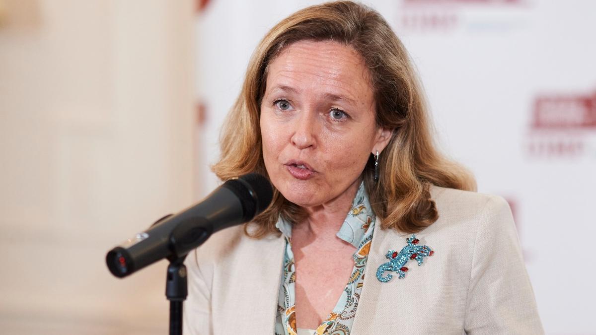 La vicepresidenta segunday ministra de Asuntos Eonómicos, Nadia Calviño, en la UIMP