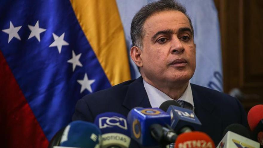 El defensor venezolano rechaza el plazo del Parlamento para que apoye remover jueces