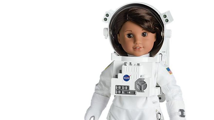 Los creadores de la muñeca astronauta Luciana Vega han contado con asesoramiento de la NASA
