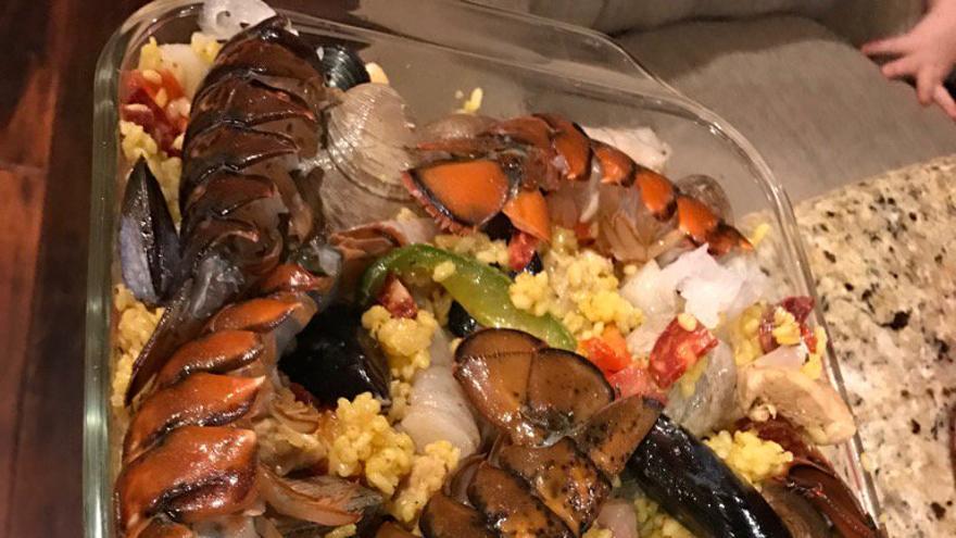 La peculiar receta de 'paella' de Rob Schneider