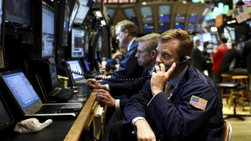 Wall Street modera su ascenso hasta el 0,15 por ciento en la media sesión