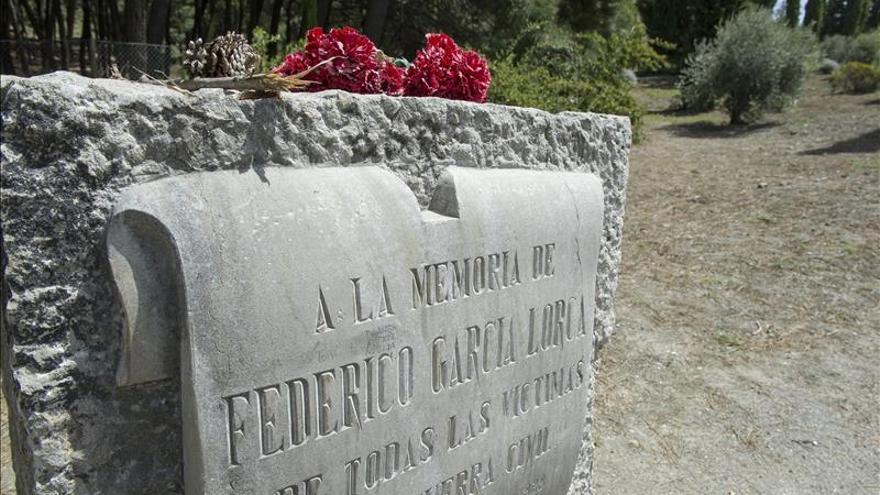 """Manuel Ayllón elude la """"tesis oficial"""" al novelar la muerte de García Lorca"""