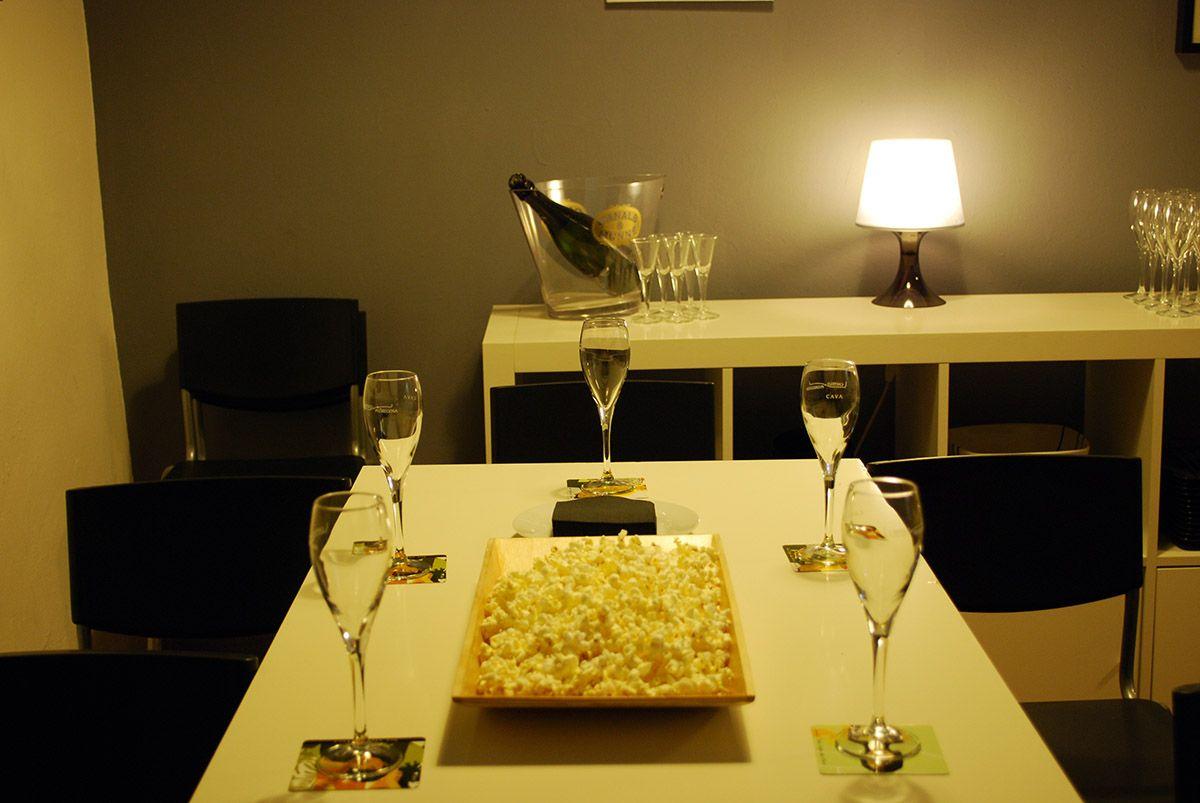 Mesa preparada para la cata_La Cava de la Villa_Malasaña a mordiscos