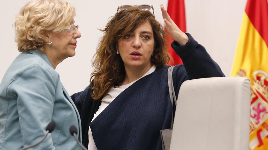La alcaldesa de Madrid, Manuela Carmena, y la hasta ahora delegada de Cultura, Celia Mayer