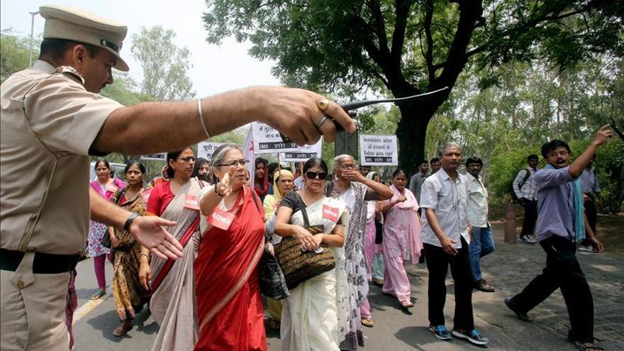 Arrestados dos acusados más por violar y ahorcar a dos jóvenes en la India