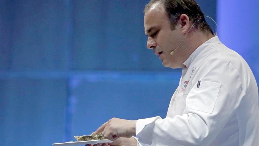El chef Ángel León logra llevar la luz marina a todos los hogares del mundo