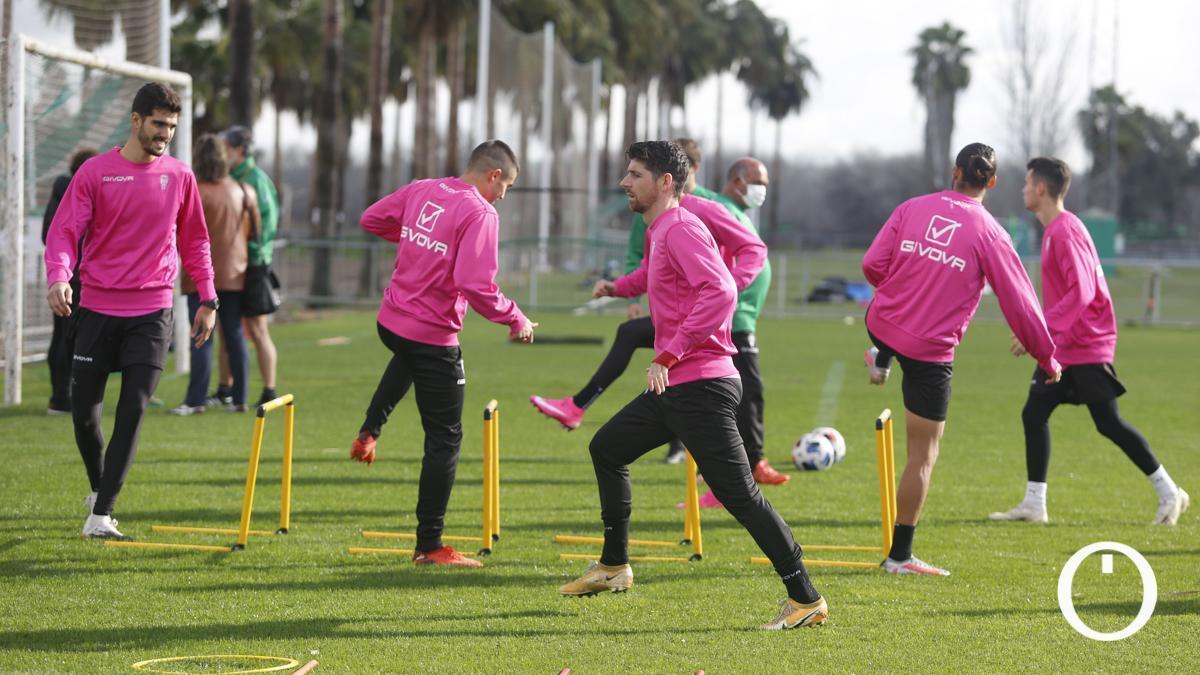 Los jugadores del Córdoba, en un entrenamiento.