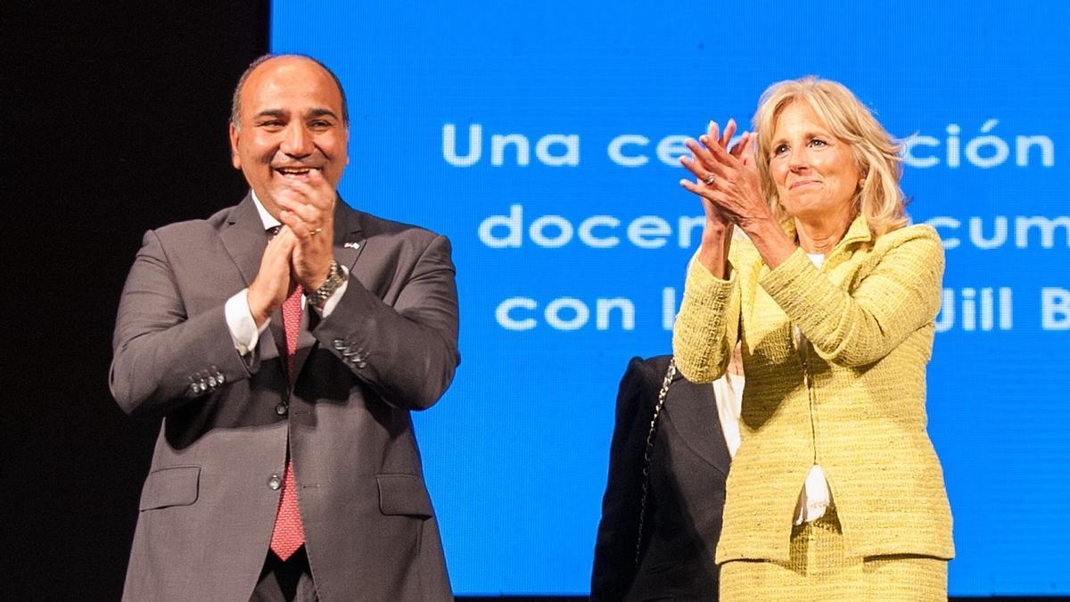 Manzur y la esposa del presidente norteramericano.