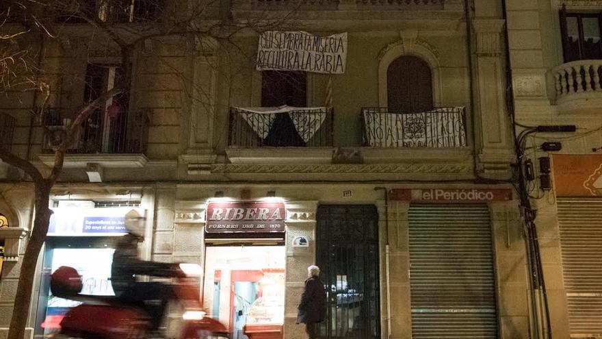 La finca Entença 151 de Barcelona, a cuyos inquilinos no se renueva el contrato