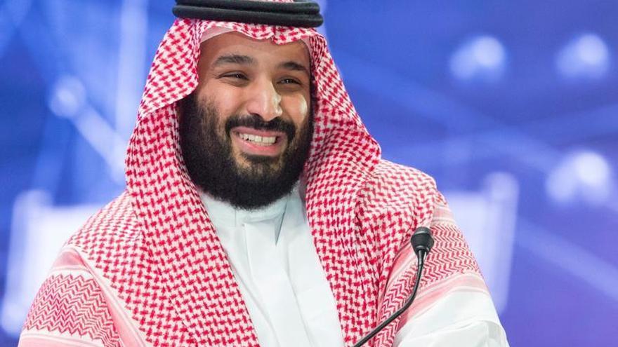 El príncipe heredero saudí asiste al foro económico