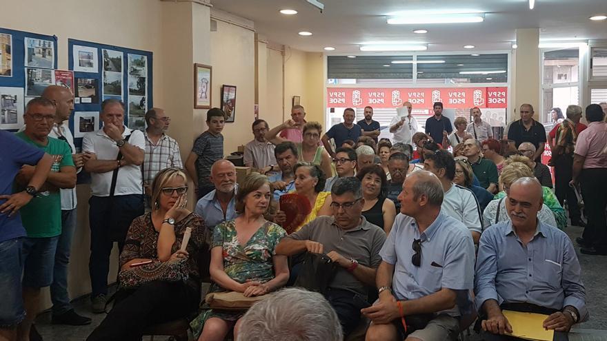 Representantes de las Plataformas de Valencia y sus Comarcas que apoyaron a Pedro Sánchez en el acto en el que han dado su apoyo a Rafa García.