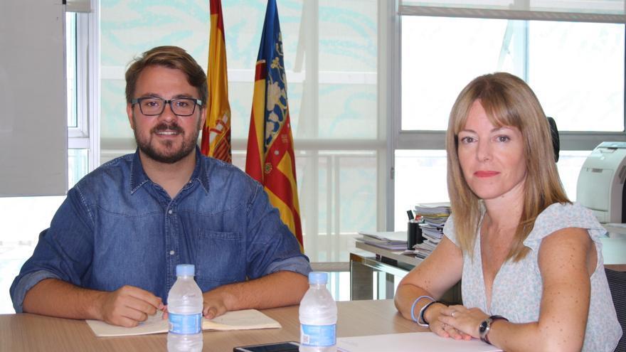 El secretario autonómico de Igualdad, Alberto Ibáñez, con la secretaría autonómica de Hacienda, Clara Ferrando.
