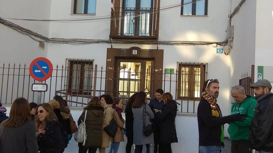 El edil de Educación del Ayuntamiento de Baena apoya al profesorado del IES denunciado por conmemorar el 25N