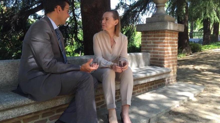 Reunión en Madrid del alcalde de Granada, Paco Cuenca, con la presidenta de la Fundación Lorca, Laura García Lorca