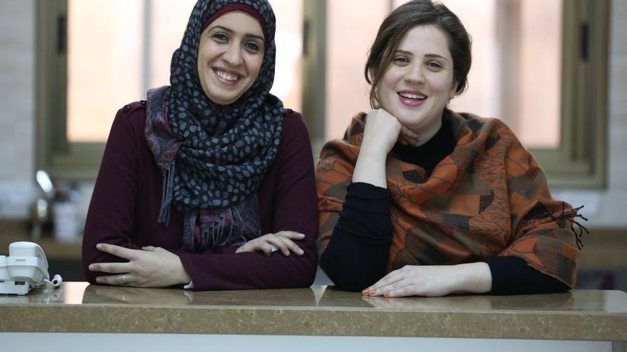 Bassma Ali (33) y Rasha Abu-Safieh (34) son las fundadoras de G-Gateway, una plataforma para dar oportunidades a jóvenes gazatíes en busca de empleo