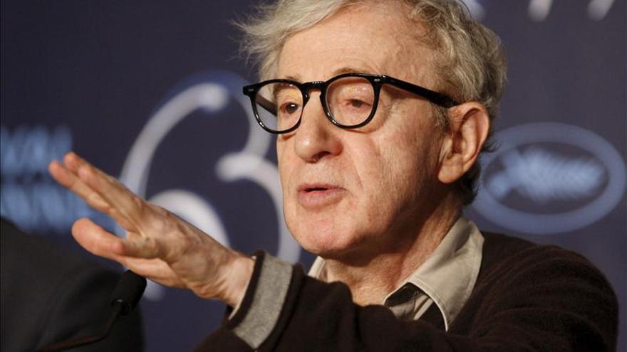 La hija adoptiva de Woody Allen relata en una carta sus supuestos abusos