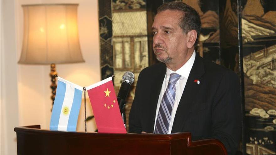 Argentina dice que el embargo de las cuentas de su Embajada es una maniobra de presión