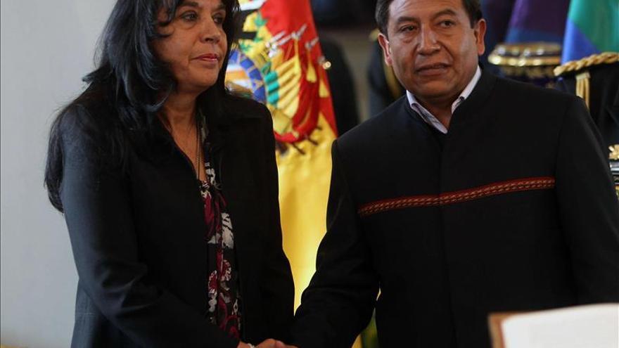 El Gobierno de Bolivia toma juramento a su nueva cónsul en Chile