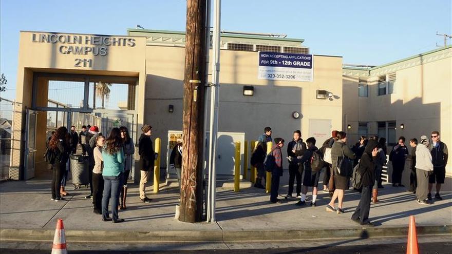 Escuelas de Los Ángeles recuperan la normalidad tras cerrar por falsa amenaza