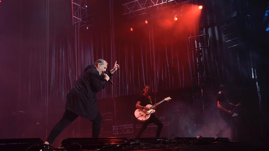 Miguel Bosé durante la actuación en el Love Festival. Foto: CARLOS ACIEGO.