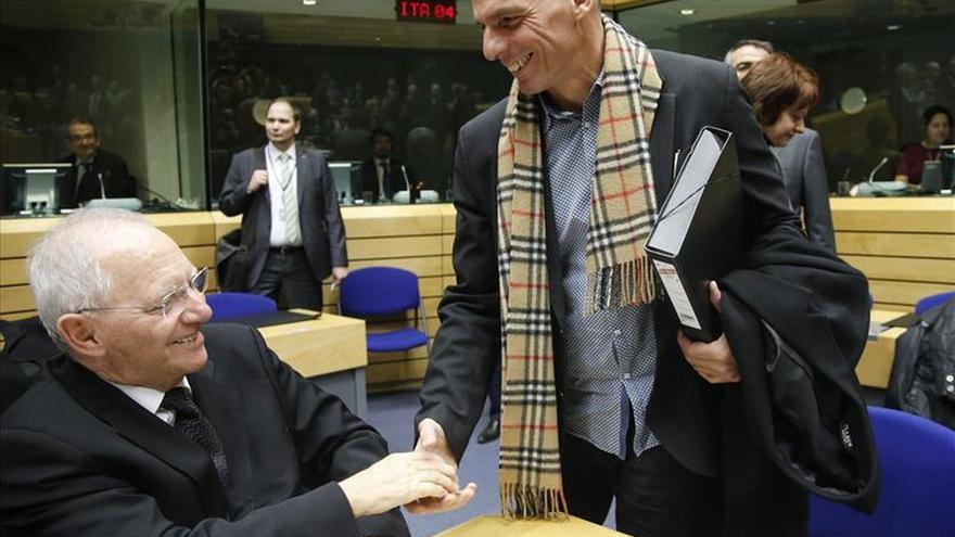 """Varufakis espera que Atenas y la eurozona lleguen a una """"conclusión"""" el lunes"""