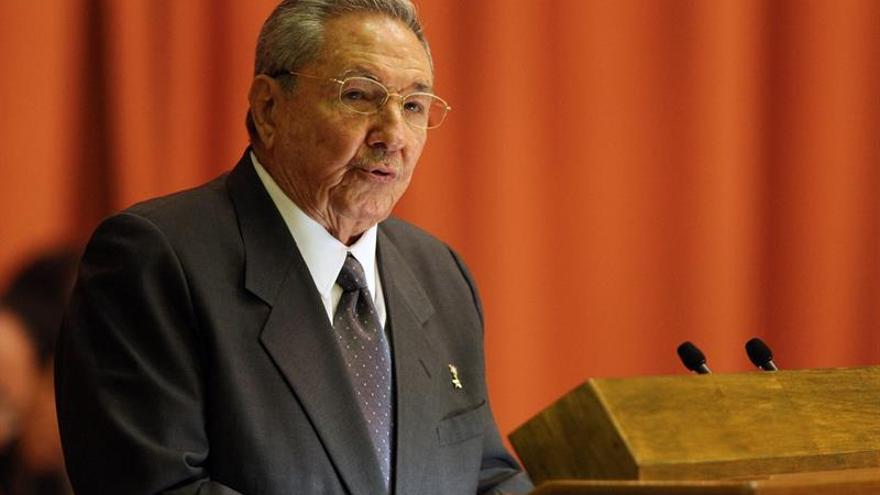 Raúl Castro reivindica las ideas de Fidel y Chávez para defender la patria americana