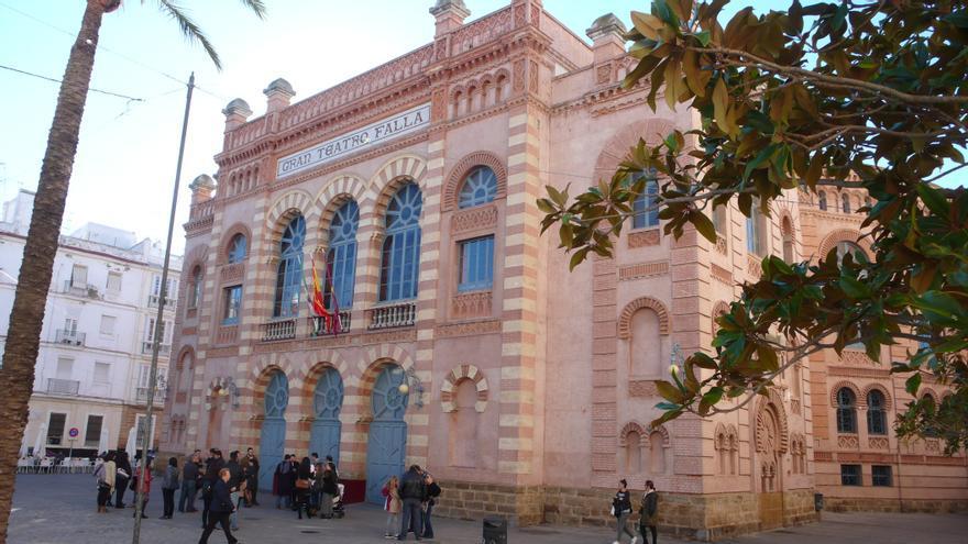 Imagen exterior del teatro gaditano en la Plaza Fragela.