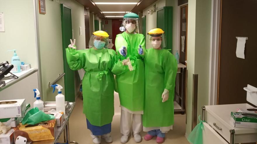 Personal de enfermería en el Clínico de Zaragoza.