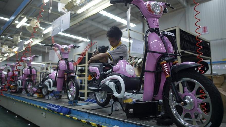 Shanghái prohíbe el uso de motocicletas eléctricas de alquiler