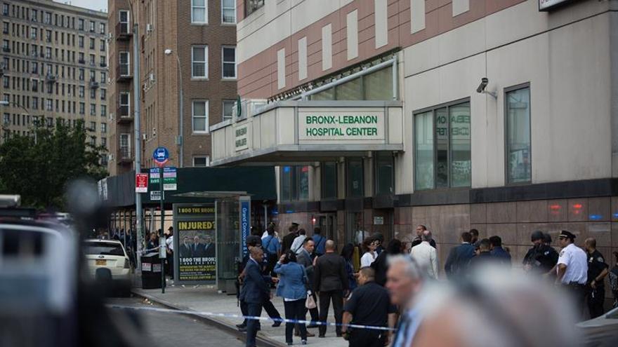 Un médico ataca un hospital de Nueva York y causa un muerto y seis heridos