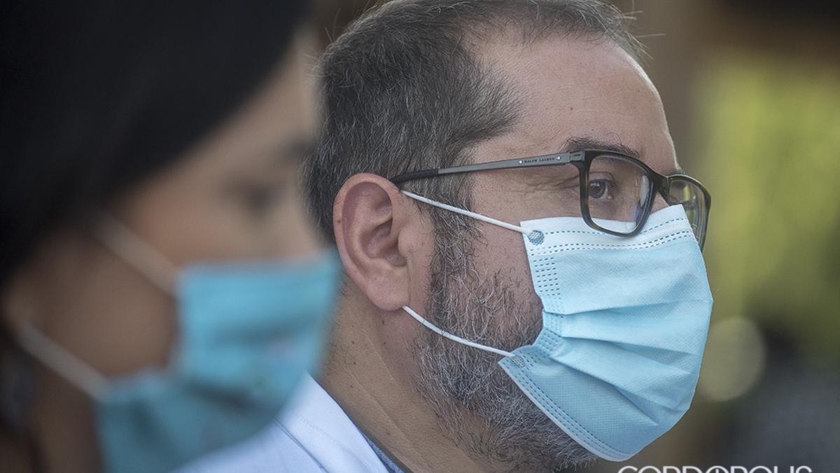 Sanitarios en el hospital en una foto de archivo