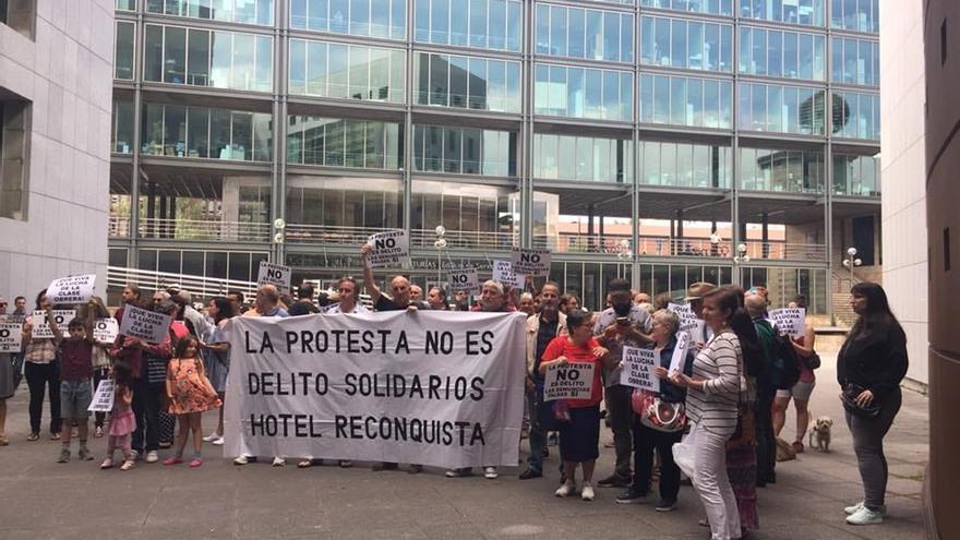 Manifestación de apoyo a 'Los Once Solidarios del Reconquista'.