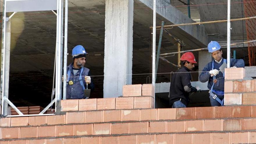 La construcción fue el único sector en el que descendió la siniestralidad